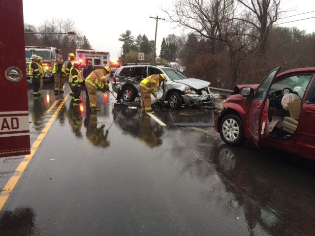 Township Companies Handle a Wreck w/ Entrapment