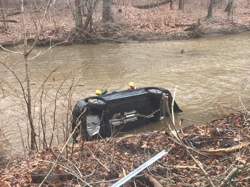 Vehicle into Ridley Creek